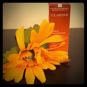 Clarin's Radiance-Plus Golden Glow Booster
